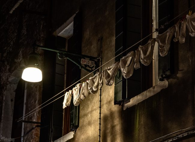 Lingerie de nuit Venice, Italy (2019)
