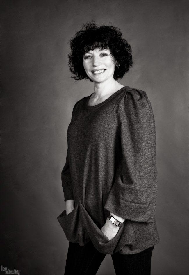 Lora (2010)